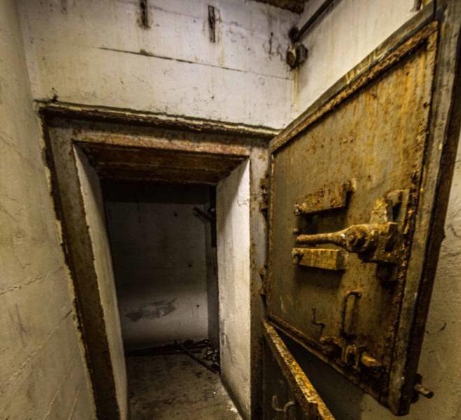 14-hitler bunker